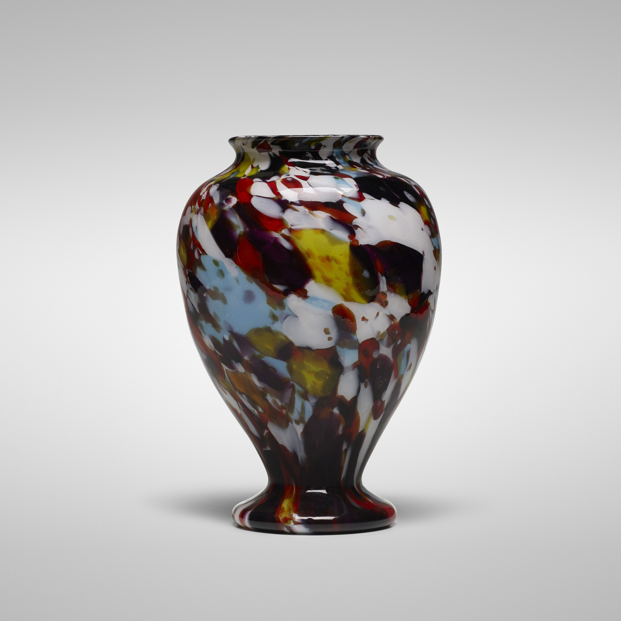 A macchie (mah-key-aye) vase created circa 1890 by the Italian company Francesco Ferro e Figlio.