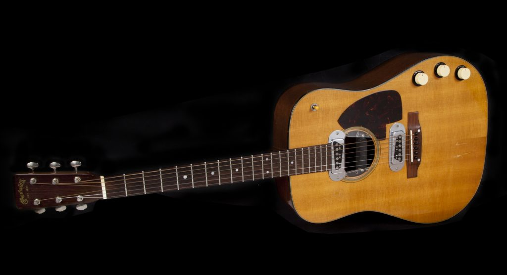 Another angle on the vintage Martin guitar Kurt Cobain played during the 1993 MTV Unplugged performance by Nirvana.